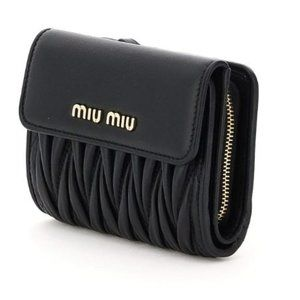 MIU MIU leather wallet * matelassé * black * auth.